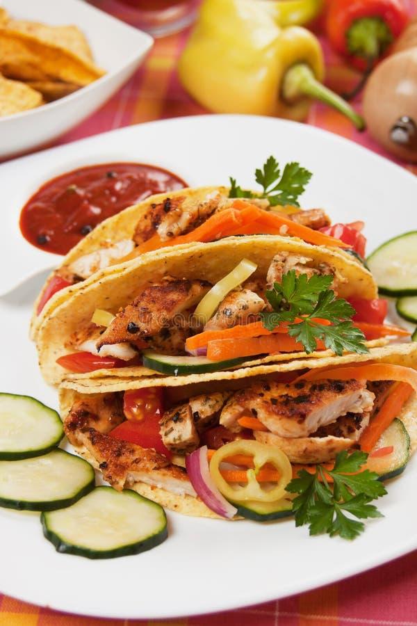 kurczak sałatka łuska taco obrazy royalty free