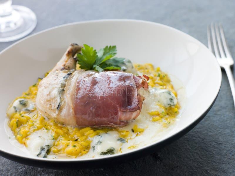 Kurczaka Pierś zawijająca w Parma Baleronie fotografia stock