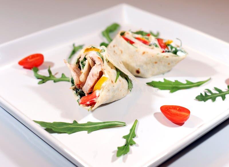 Kurczaka tortilla z warzywami obraz stock