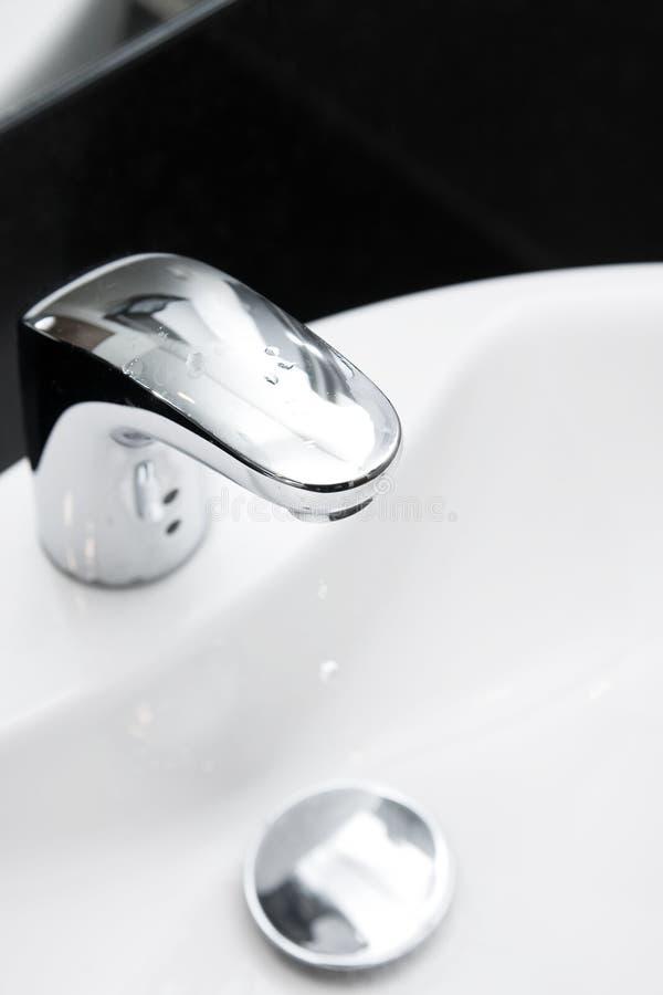 kurek w łazience obrazy stock