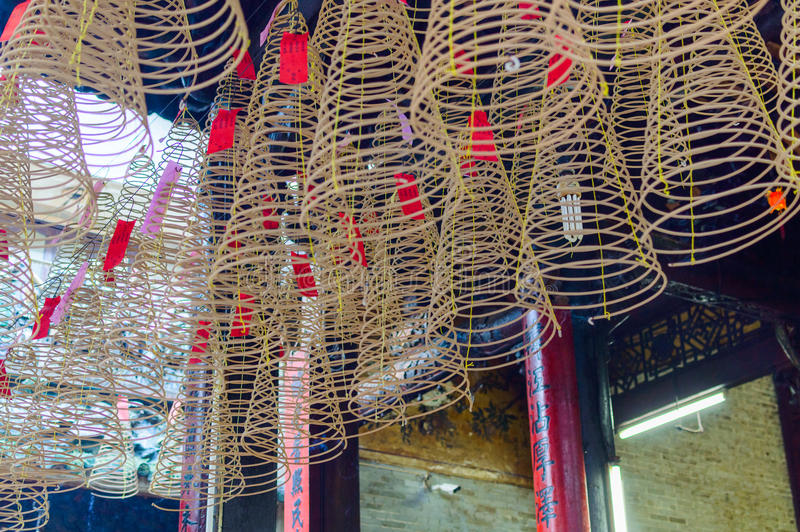 Kurenda kadzi w Chińskiej świątyni obraz royalty free