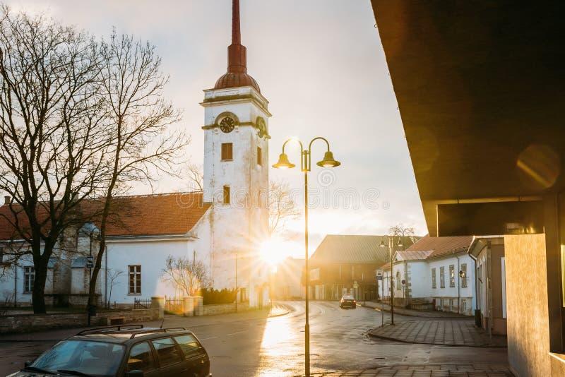 Kuressaare, Estonia Chiesa Di San Lorenzo: Sunlight Sunrise O Sunset Time immagini stock libere da diritti