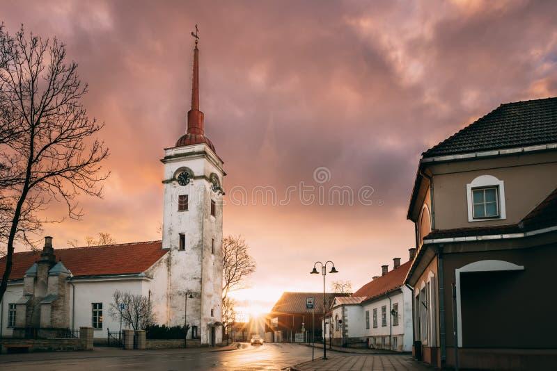 Kuressaare, Estonia Chiesa Di San Lorenzo: Sunlight Sunrise O Sunset Time fotografia stock