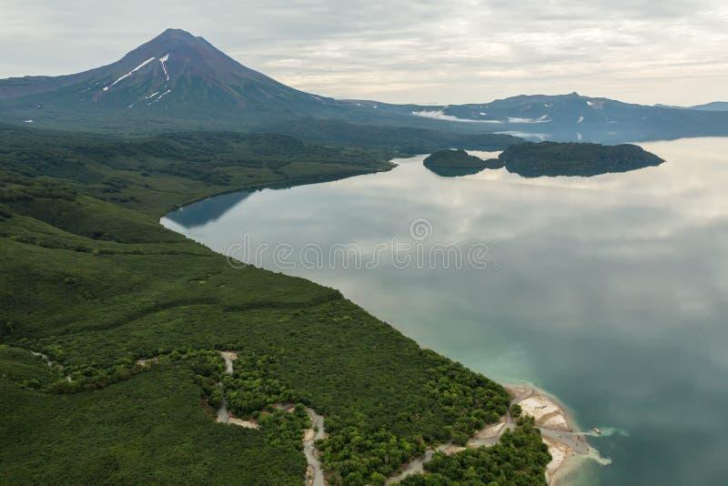 Kurile湖和伊利因斯基火山火山 南堪察加自然公园 库存照片