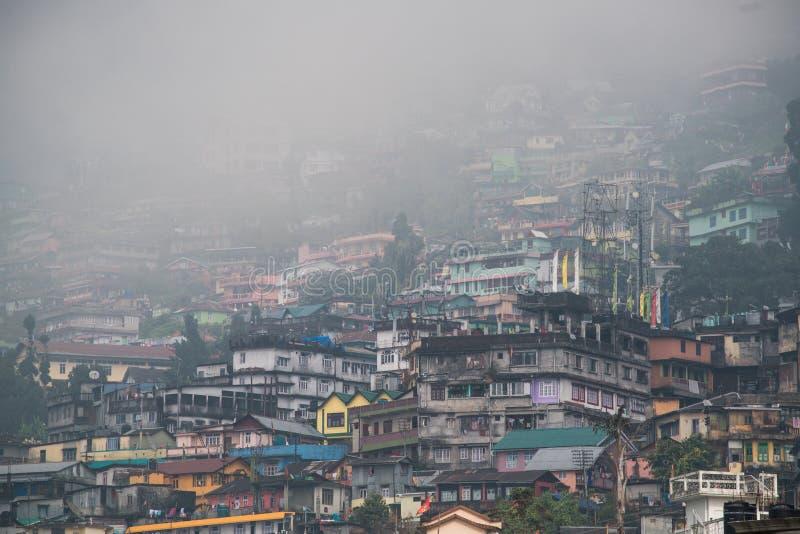 Kurseong est une station de colline et une ville subdivisionnaire dans le Darjee photo stock