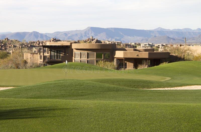 kursowego pustynnego wyłączność na wywiad golfa domu nowożytny unikalny obraz royalty free