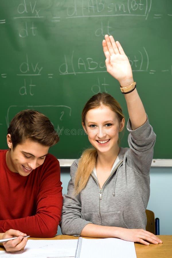 Kursteilnehmer im Klassenzimmer stockbild