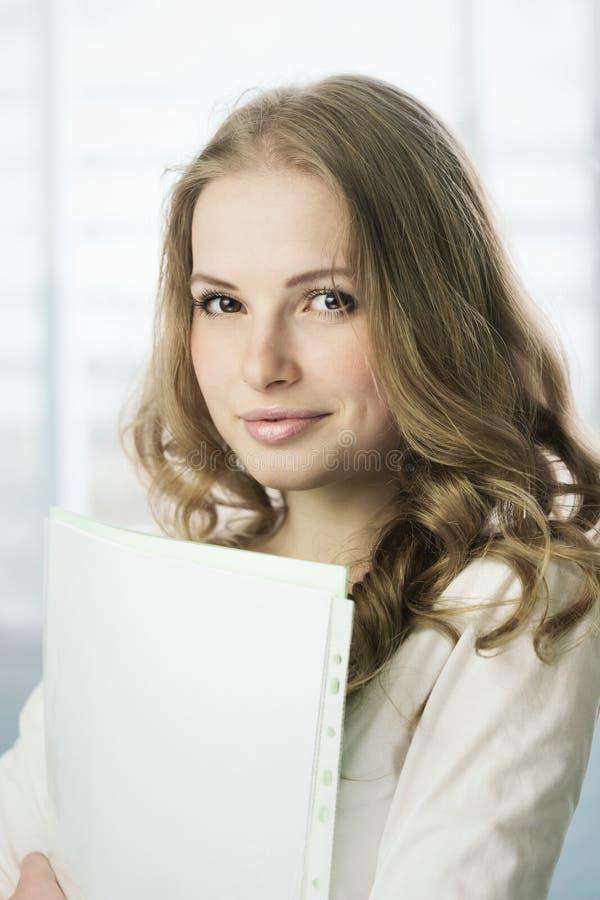 Kursteilnehmermädchen lizenzfreie stockbilder