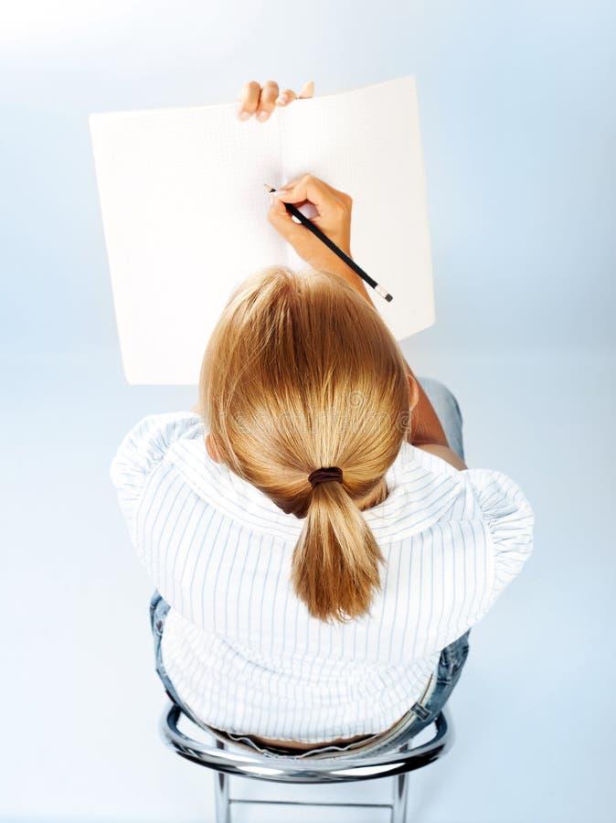 Download Kursteilnehmermädchen, Das Prüfungen Besteht Stockbild - Bild von lack, schönheit: 26368829
