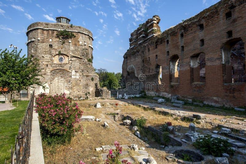 Kurtulus Camii i Czerwona Bazylika w Bergamie w Turcji obrazy stock