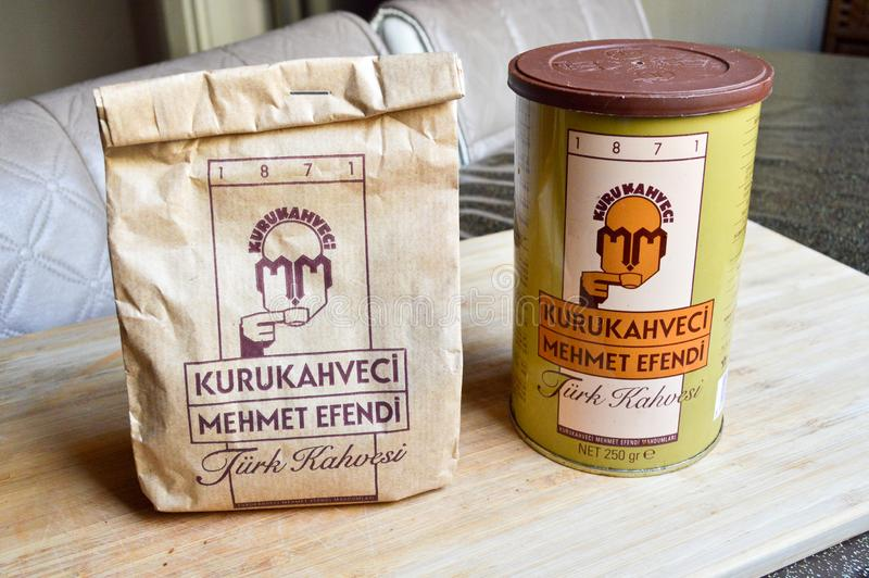 Kurukahveci Mehmet Efendi, пакет турецкого кофе стоковая фотография