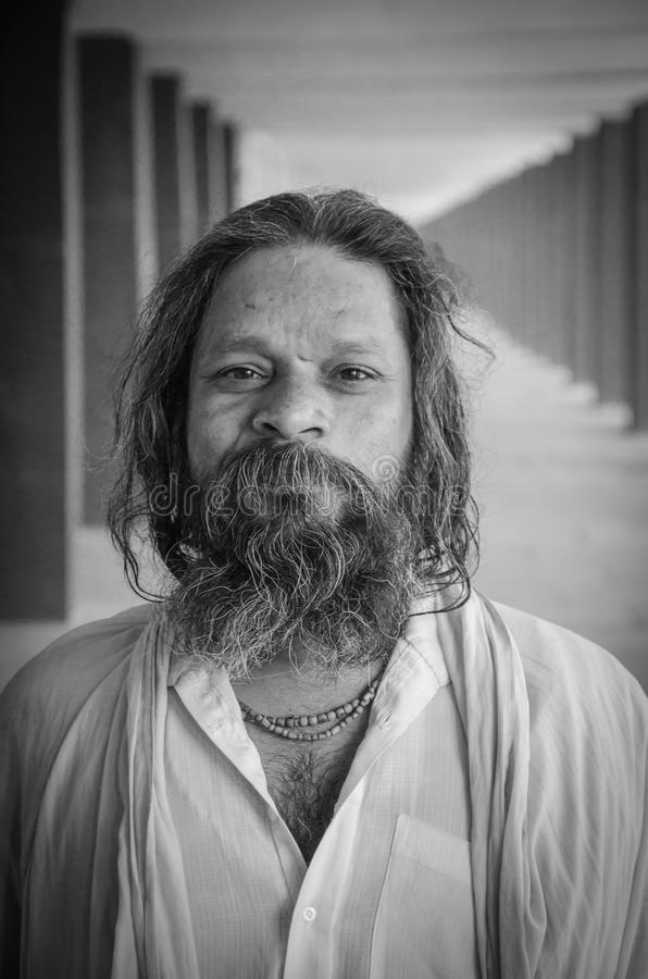 KURUKSHETRA, HARYANA, ÍNDIA: 19 de junho de 2016 - retrato de um Indi fotos de stock
