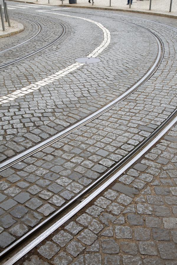 Kurve auf Tram-Bahn; Lissabon stockfotografie