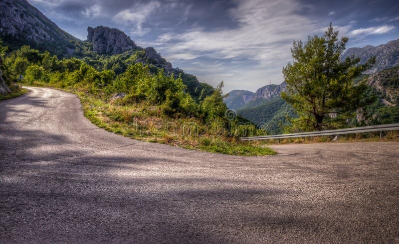 Kurven der Straße lizenzfreies stockfoto