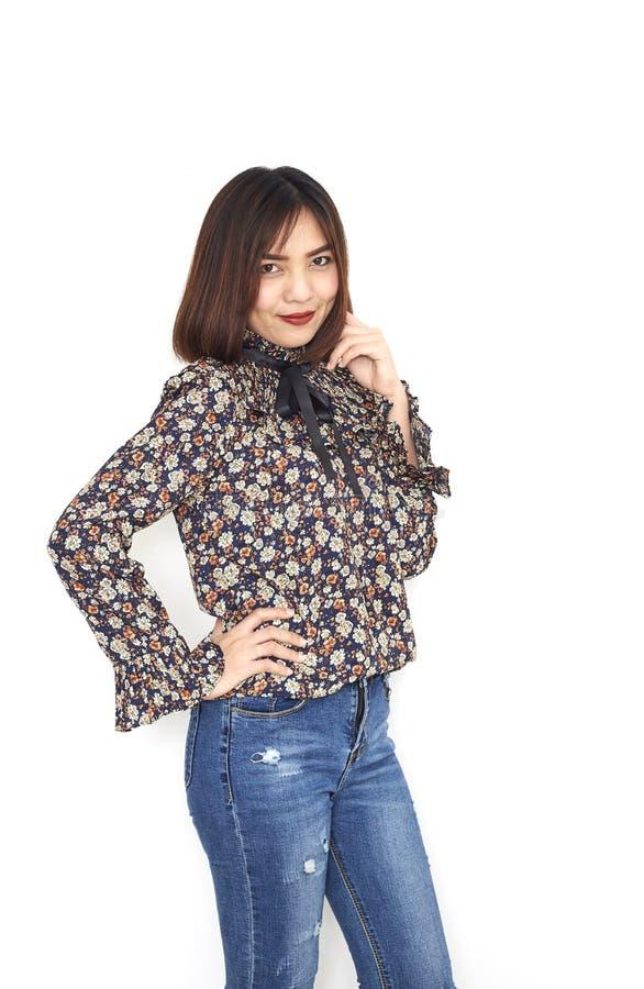 kurzes Haar der attraktiven asiatischen Frauen stockfotos
