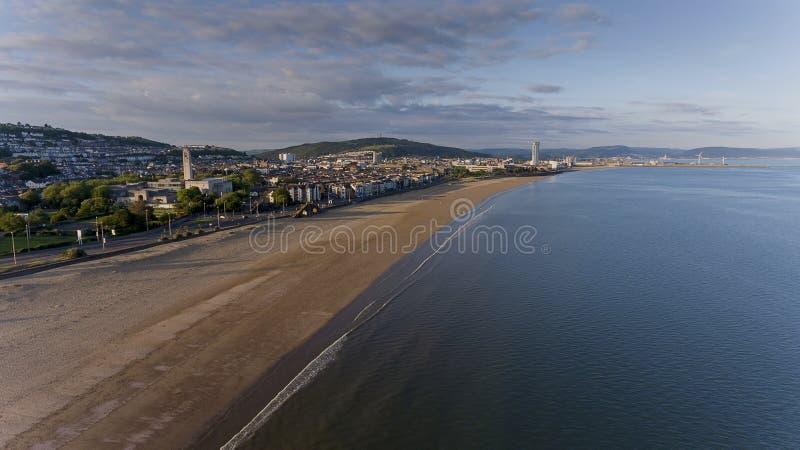 Kust bij de Baai Zuid-Wales van Swansea stock fotografie