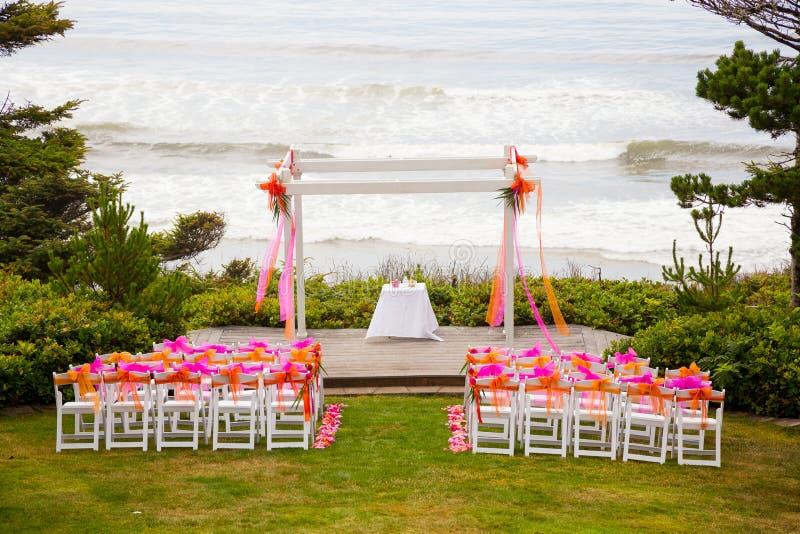 Kust- bröllopmötesplats royaltyfria foton