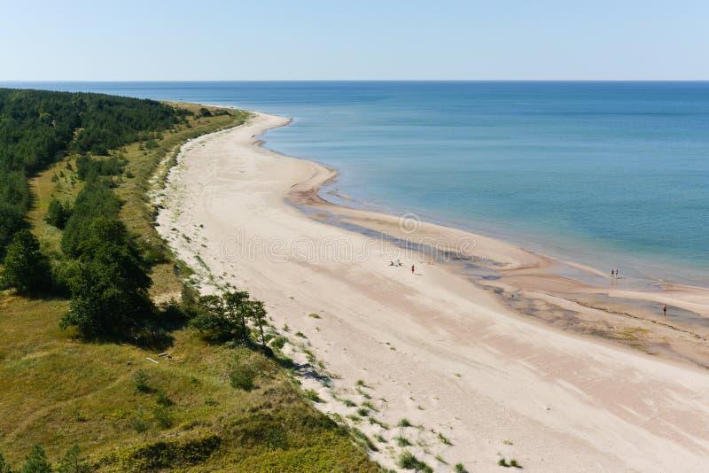 Kust för baltiskt hav från över arkivfoto