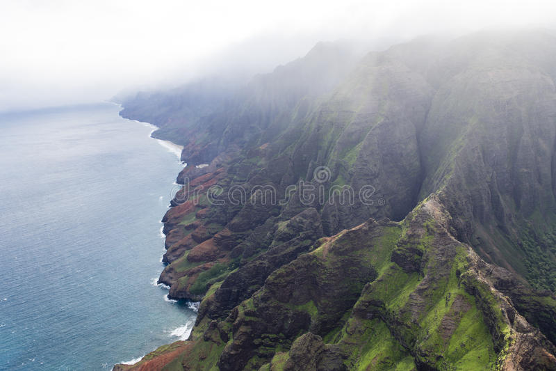 Kust för Na Pali - Kauai, Hawaii royaltyfria bilder