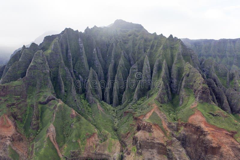 Kust för Na Pali - Kauai, Hawaii - härliga berg arkivfoto