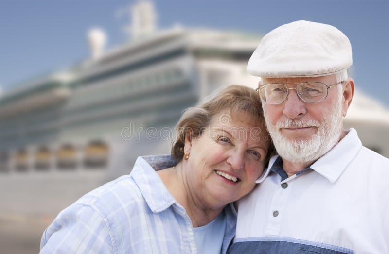 kust för ship för parkryssningframdel hög arkivfoto