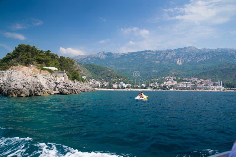 Kust i Becici, Montenegro arkivfoton