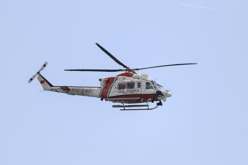 Kust- säkerhetshelikopter arkivfoto
