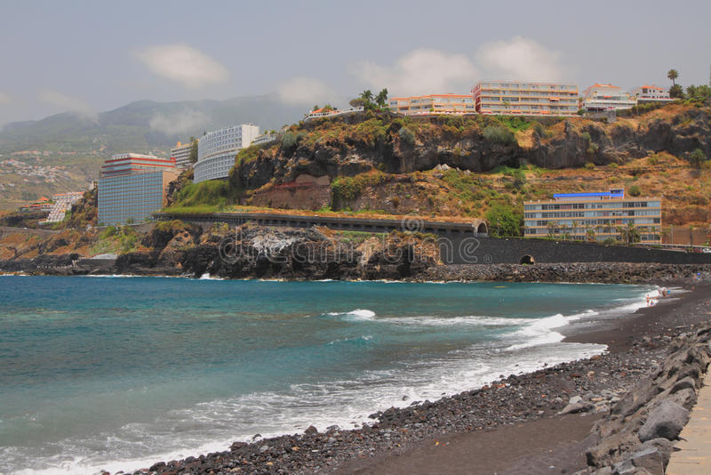 Kust van eiland van vulkanische oorsprong Puerto de la Cruz, Tenerife, Spanje royalty-vrije stock afbeeldingen