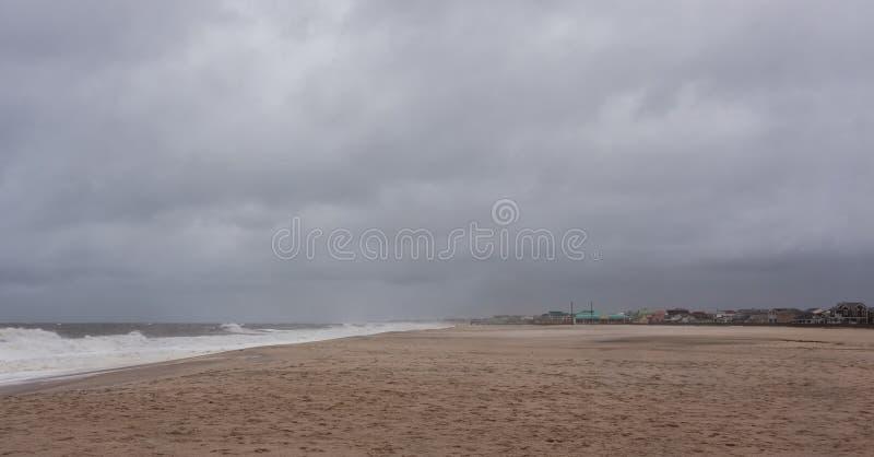 Kust van New Jersey van de Benaderingen van de orkaan de Zandige stock afbeelding