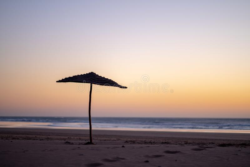 Kust van Sidi Kaouki, Marokko, Afrika De tijd van de zonsondergang de brandingsstad van Marokko wonderfully stock afbeeldingen