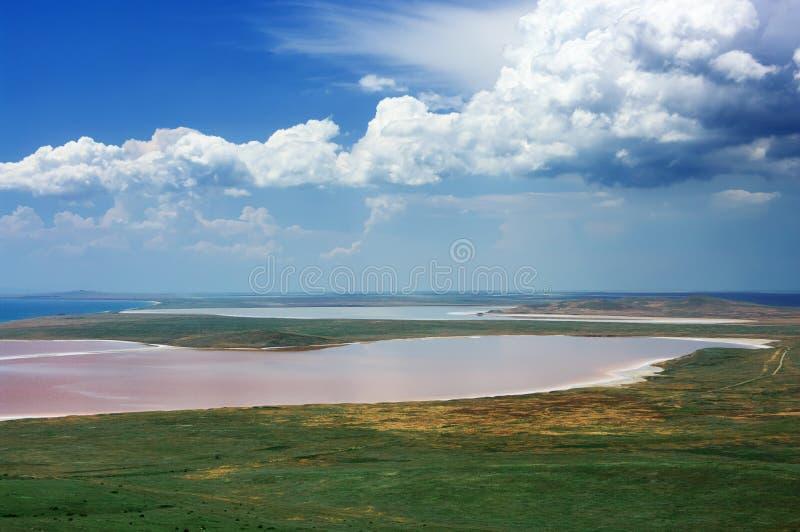 Kust zout meer Koyashskoye royalty-vrije stock afbeeldingen