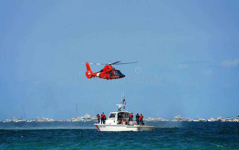 kustbevakningräddningsaktion fotografering för bildbyråer