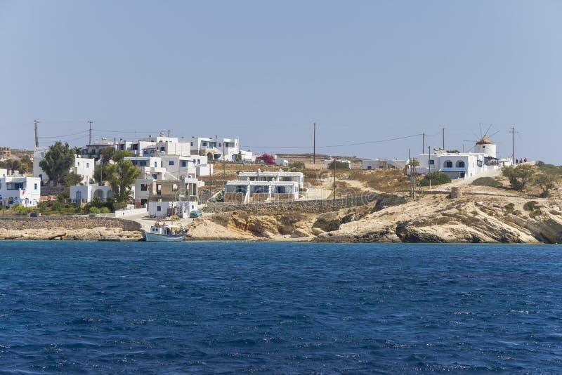 Kustdorp op de Cycladen, Griekenland stock afbeeldingen