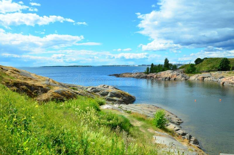 Kusten av Finland Ö av Suomenlinna i Östersjön fotografering för bildbyråer