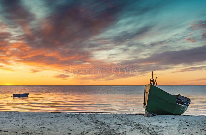 Kustlandschap bij dageraad, Oostzee, Europa stock fotografie