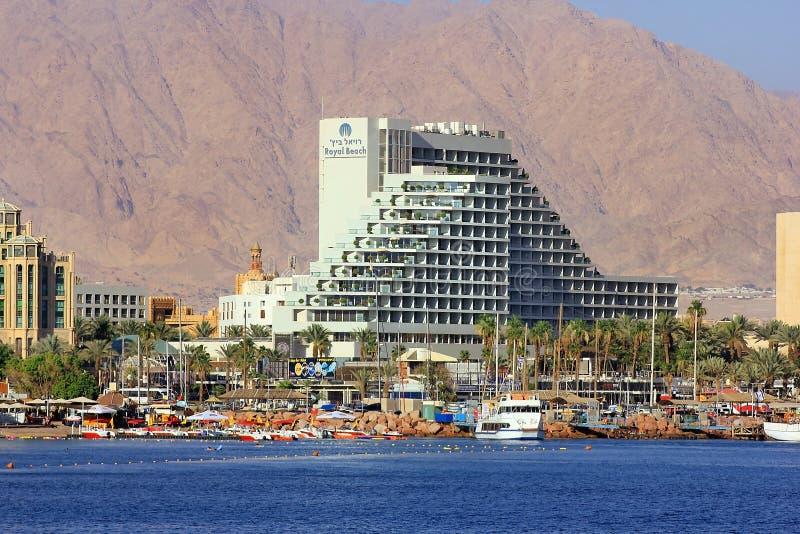 Kustlijn en luxueuze hotels in populaire toevlucht - Eilat, Israël royalty-vrije stock afbeeldingen