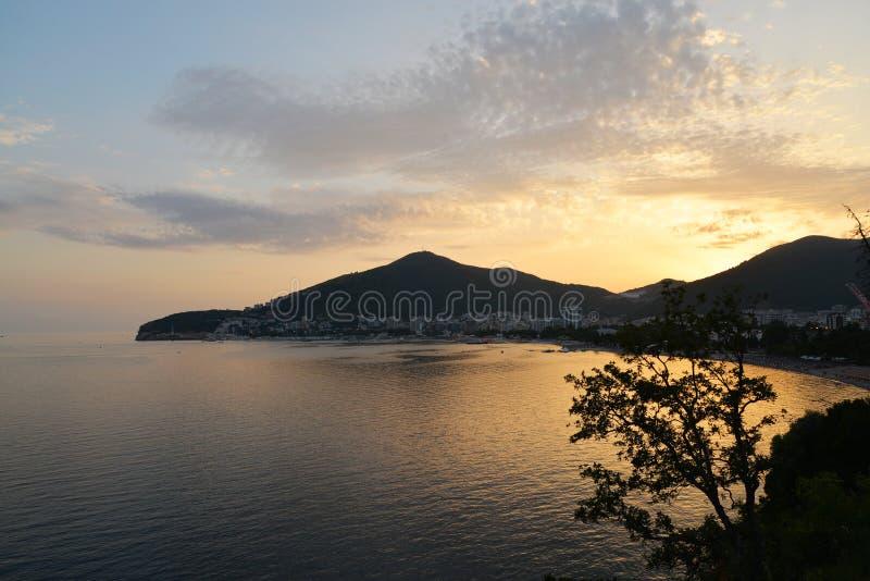 Kustlijn van Budva in Montenegro royalty-vrije stock fotografie