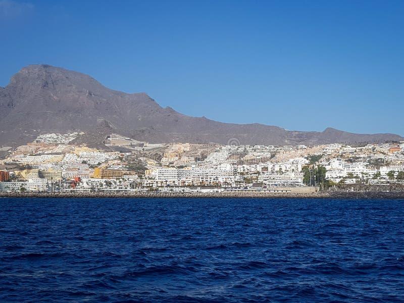 Kustlijn van het Eiland Tenerife, deel Canarische Eilanden van Spain's, in de Atlantische Oceaan en van de kust van West-Afrika stock fotografie