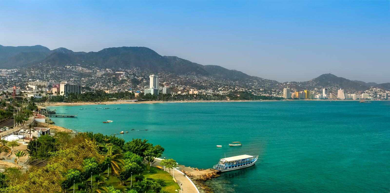 Kustlinje av den Acapulco staden i Mexico arkivbild