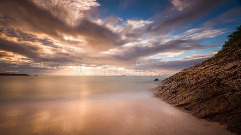 Kustlinje för dött hav fotografering för bildbyråer