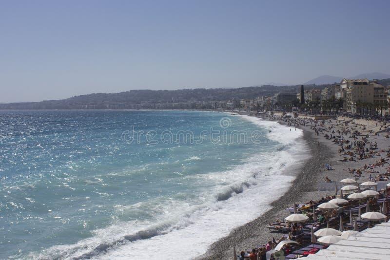 Kustlinje för skjul D Azur i Nice i vårsäsong royaltyfri foto