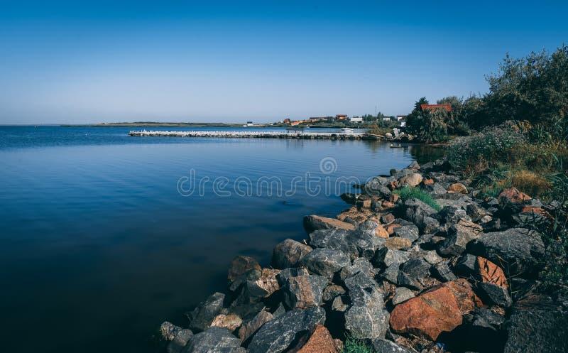 Kustlinje och stränder i Ochakov, Ukraina royaltyfri foto
