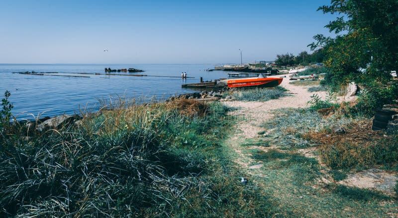 Kustlinje och stränder i Ochakov, Ukraina royaltyfria bilder