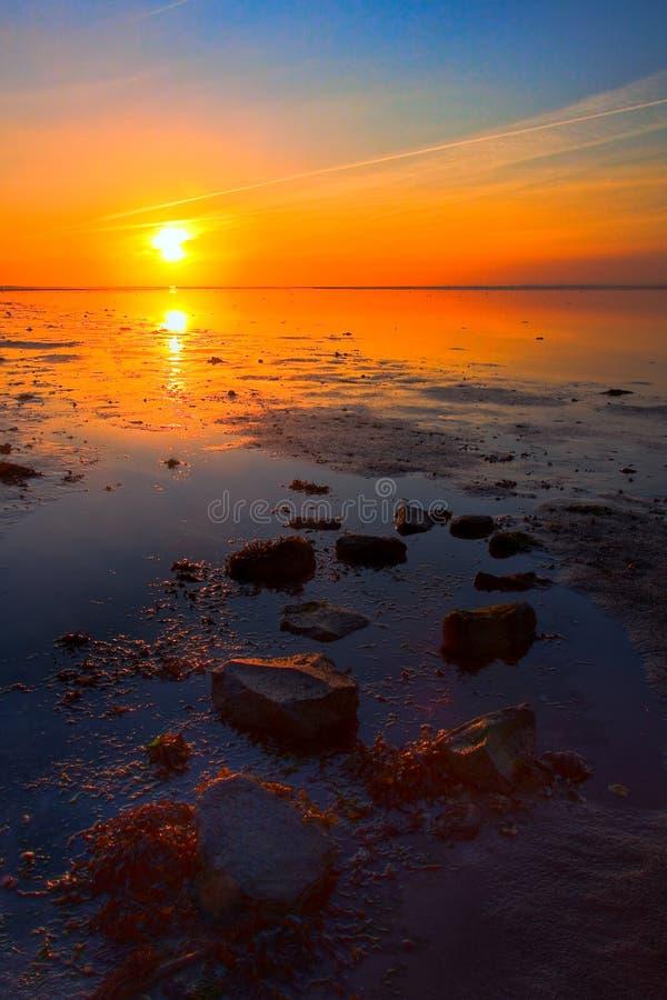 kustlinjehavssoluppgång arkivfoton