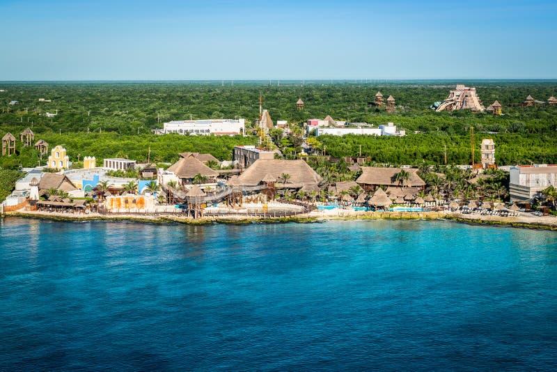Kustlinjen i hamnen Costa Maya, Mexiko royaltyfria bilder