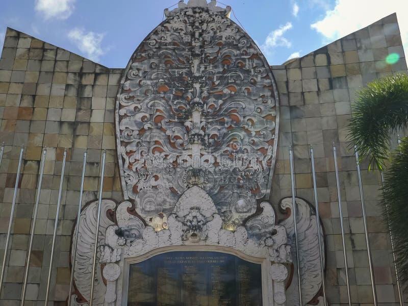 KUTA, ИНДОНЕЗИЯ - 17-ОЕ ИЮНЯ 2017: близко вверх мемориала взрыва Бали стоковое фото