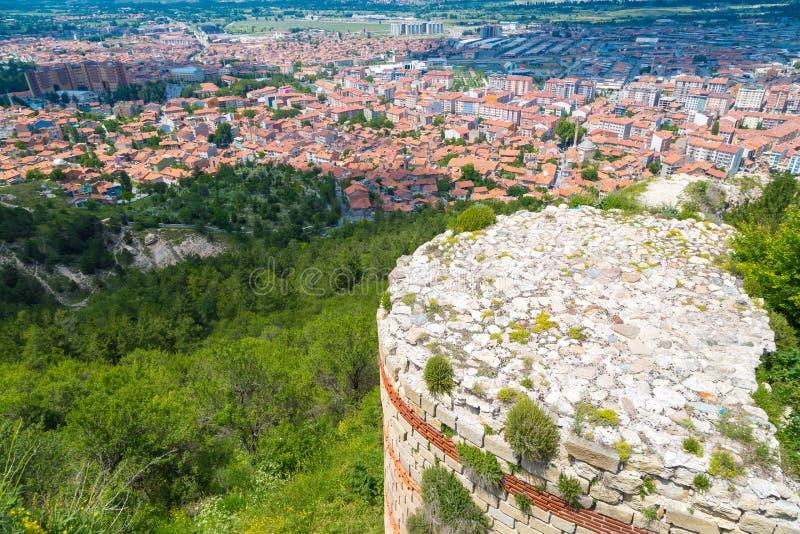 Kutahya slott och Cityscapesikt royaltyfri bild