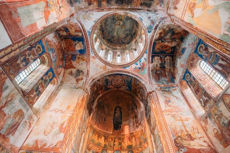 Kutaisi, la Géorgie Plafond Frescoed de monastère de Gelati photo stock
