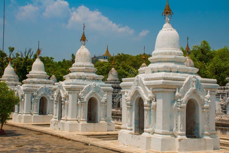 Download Kuthodaw塔在曼德勒,缅甸 缅甸 库存图片. 图片 包括有 聚会所, 宫殿, 宗教, 著名, 历史记录 - 72365211