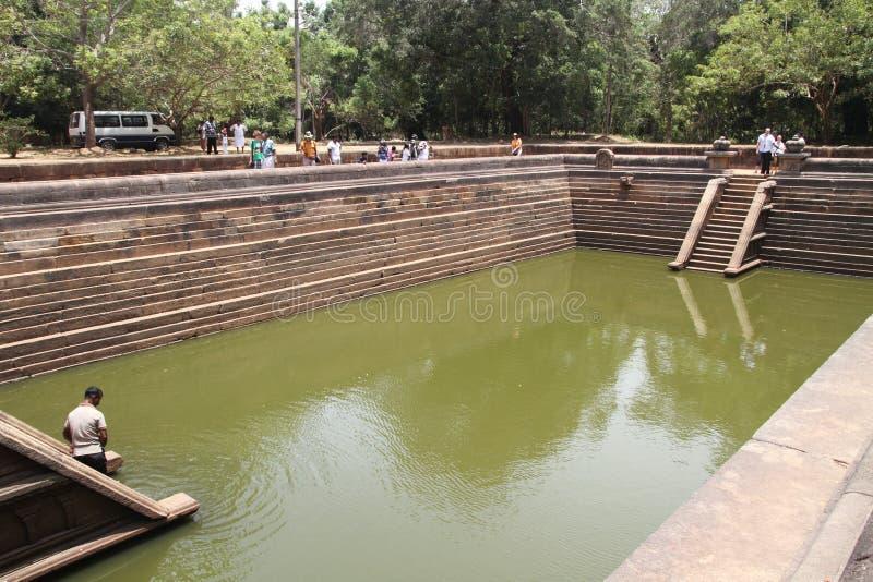 Kuttam Pokuna (charcas gemelas) en Anuradhapura imagenes de archivo
